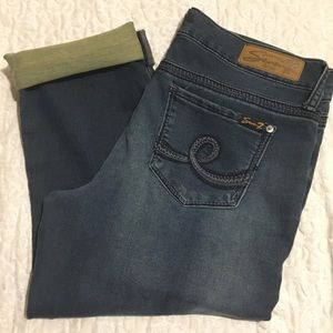 "Seven7 ""girlfriend"" dark denim stretch capris NWOT"